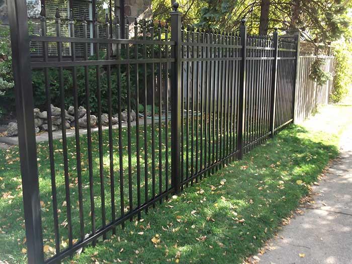 Aluminum Fence Installation Toronto