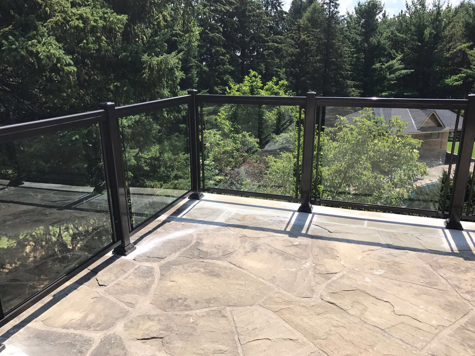 EXTERIOR GLASS RAILINGS
